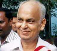 Saradha accused ex-DGP of Assam Police kills self