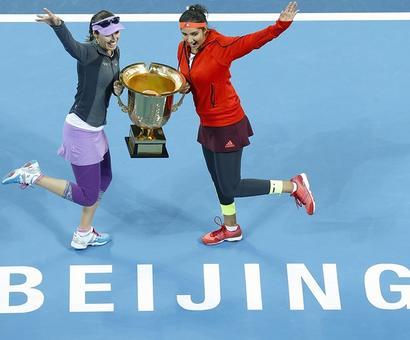 Incredible Sania-Hingis conquer Beijing too!