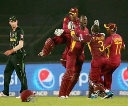 Gayle, Sammy take Windies past Australia in thriller