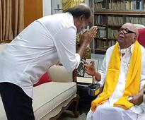 Karunanidhi welcomed me to politics with a smile: Rajinikanth