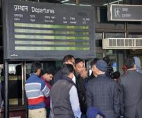 Season's worst fog hits over 200 flights in Delhi