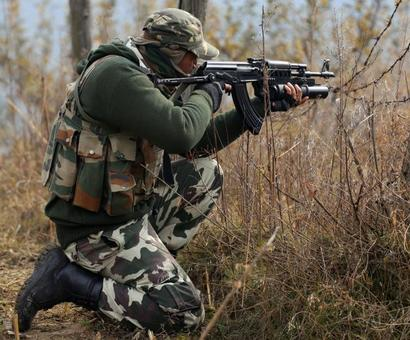 BSF warns Pak to behave in Kashmir valley