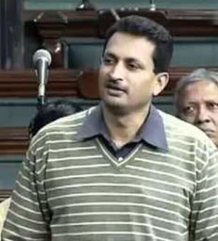 AIIMS resident docs demand removal of Anant Hegde from Cabinet