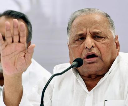 Disagree with Akhilesh, but not forming new party: Mulayam
