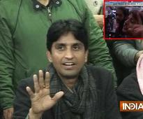 AAP leader Kumar Vishwas attacked with egg in Lucknow