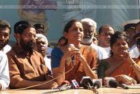 Kadakampally, Mercykutty Amma face protest in Poonthura amid Def Min visit