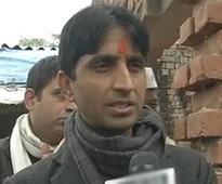 After deriding Rahul's Dalit house calls, Kumar Vishwas does the same