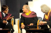 PHOTOS: Amitabh Bachchan at Whilstling Woods 6th annual convocation