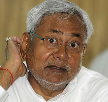 Nitish meets Left leaders to take Third Front talks forward