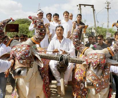 In poll-bound Gujarat, Rahul attacks Modi over note ban, GST