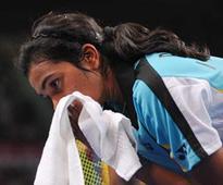 India Open: Saina sails through, Sindhu crashes out in 1st round