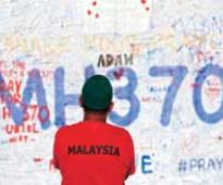 Malaysian Airlines: Search for missing MH370 resumes