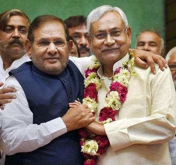 Sharad Yadav free to take his decision: Nitish Kumar