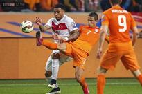 Netherlands, Italy need late equalisers in 2016 Euro qualifiers