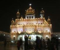 Akal Takht backs 'Sikhs are not Hindus' petition