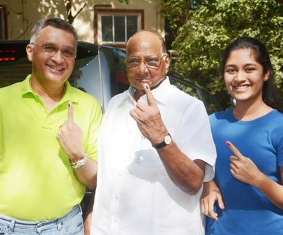 Famous faces among early voters in Mumbai