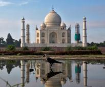 Myanmar President visits Taj Mahal