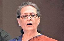 Myopic Modi govt bending backwards on land bill: Sonia Gandhi