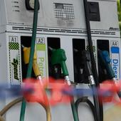 Oil companies' shares fall by over 3% on petrol, diesel price cut