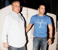 Salim Khan was moved by Salman`s performance in Tiger Zinda Hai
