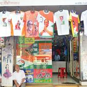 Maharashtra polls: Lalbaug's a hub for party merchandise