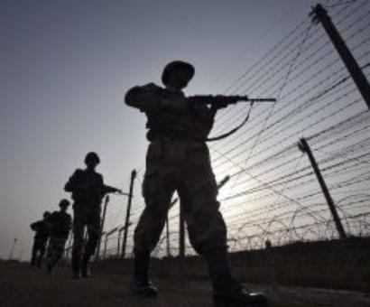Pak violates ceasefire; Brigadier, 2 jawans injured