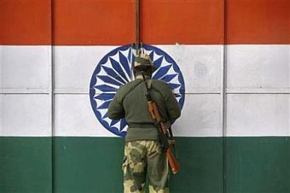 After 45-minute talks at border, India and Pakistan only agree to talk more