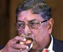 TNCA president N Srinivasan agrees to lift dhoti ban at club