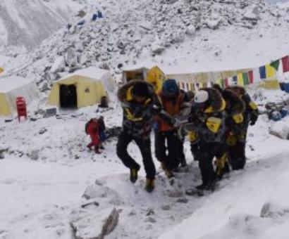 Despite quake and avalanche, climber not ready to quit
