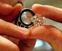 De Beers to open diamond trading office in India