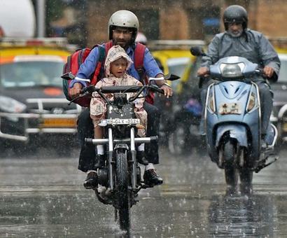 Heavy rains lash Mumbai; schools, colleges to be shut today