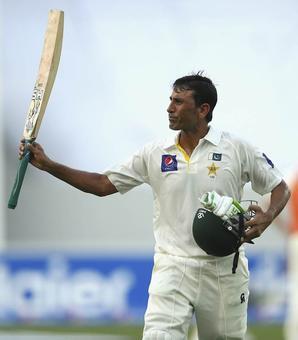 Younis leads Pakistan fightback vs Australia with 25th ton