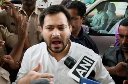 Tejashwi begins anti-Nitish campaign with 'apology to Mahatma Gandhi'