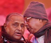 Mulayam, Lalu's Janata Parivar slams PM Modi, but not many are impressed