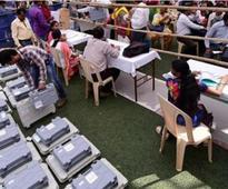 Shiv Sena leads in battle for Mumbai