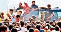 Don't fall for Modi gimmicks: Sonia