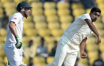 South Africa need 278 more to win against India