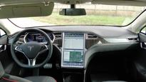 Upcoming Tesla update makes Autopilot smarter