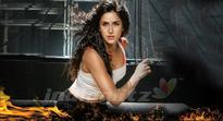 Watch Katrina at acrobatic best in Kamli - Dhoom:3 Latest Song Promo
