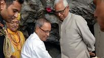 Pranab Mukherjee visits Vaishno Devi