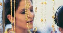 Gold price tumbles by Rs 465 on reduced offtake