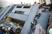 3 dead, 221 rescued after strongTaiwanquake