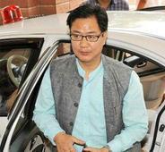 Delayed flights: Raju, Rijiju apologise, but Maha CM threatens defamation for blame