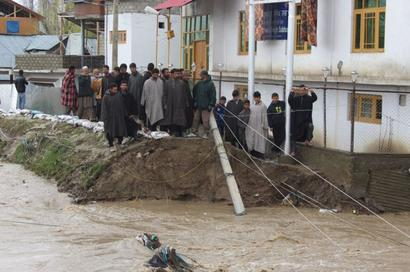Toll rises as 6 bodies recovered from landslides in Kashmir