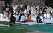 Nation pays homage to Bapu on birth anniversary