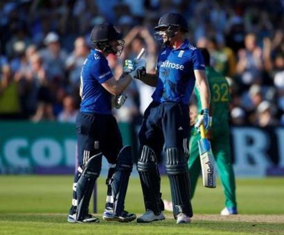 England set world record ODI total of 444 vs Pakistan