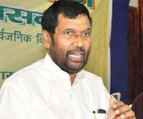 Nitish, Manjhi cannot go together: Paswan