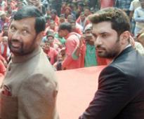 Paswan seals alliance deal with BJP, to get 7 LS seats