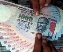 Rupee snaps 2-day losing run, up 4 paise at 67.90