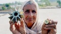 Pak shells villages with mortars